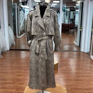 Women's print raincoat with hood